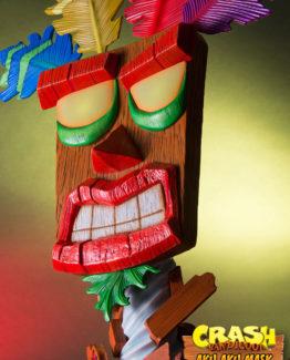 Crash Bandicoot Life Sized Aku Aku Mask first 4 figures 8